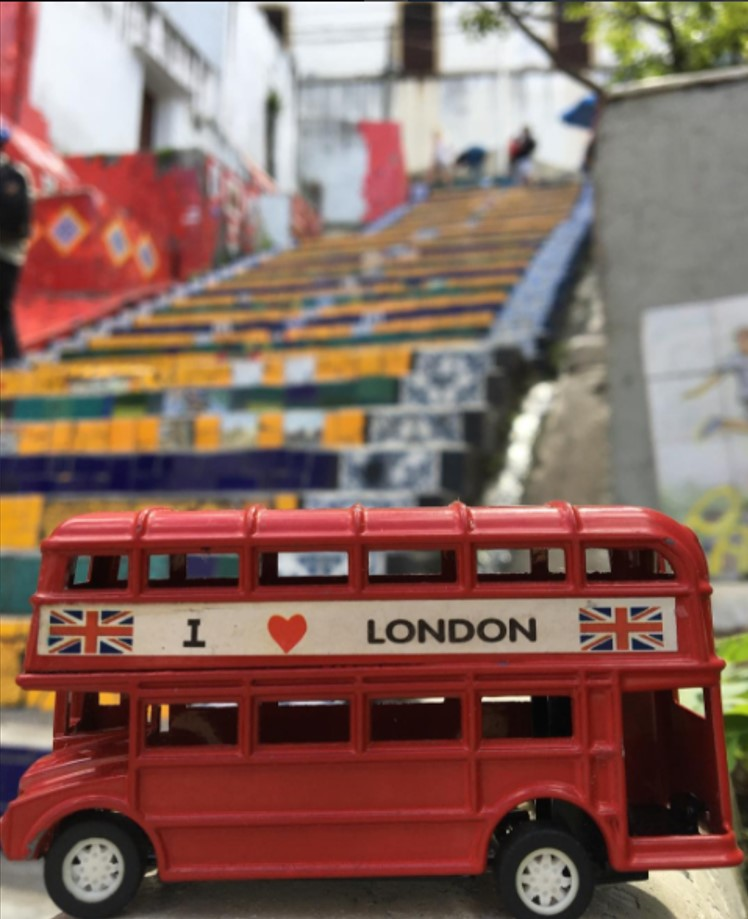 The London red bus on the Escadaria Selaron